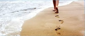 περπάτημα στην άμμο